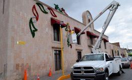 Adornan edificio de la Presidencia de Soledad con motivo de la Independencia de México