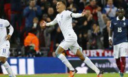 Centrocampista Dele Alli firma nuevo contrato con Tottenham Hotspur