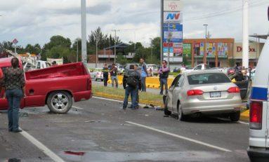 Carambola entre cuatro vehículos provoca caos vial