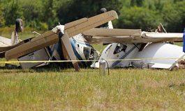 Chocan dos avionetas en EEUU; hay tres muertos
