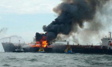 Explosión en buque de Pemex en Veracruz