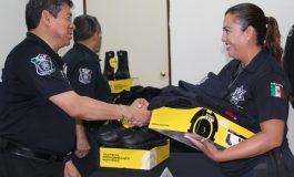 Reciben uniformes nuevos elementos de Seguridad Pública del Estado