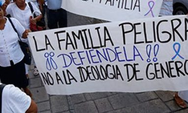 "Cercan San Lázaro ""en defensa de la familia"""