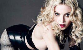Madonna también se desnuda para promover voto