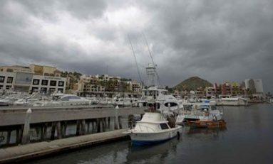 El huracán Newton impacta con fuerza la costa de Baja California Sur