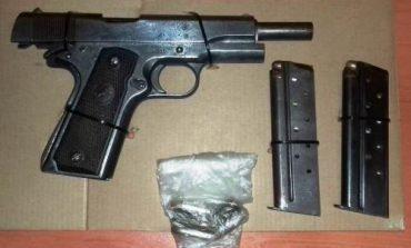 Detiene la PME a dos sujetos con droga y un arma de fuego en Tamuín