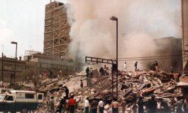 Bandera a media asta en el Zócalo capitalino por sismo de 1985