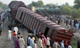 Seis muertos, 100 heridos en accidente de tren en Pakistán
