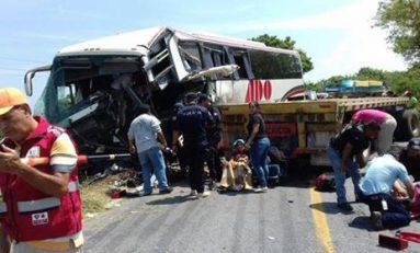 Accidente carretero deja 13 muertos en Veracruz