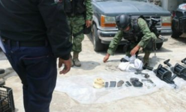 Aseguran a cinco personas con armamento en Sinaloa
