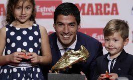 Luis Suárez recibe la Bota de Oro