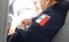 Detienen a dos elementos de la policía por presunta extorsión