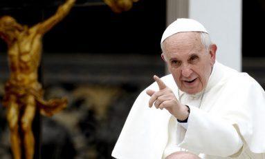 Papa Francisco contesta a sus críticos