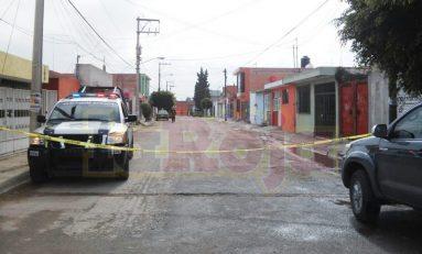 Muere mujer baleada por ex policía, en aparente feminicidio