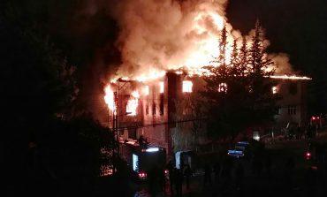 Al menos 12 muertos en incendio de una residencia escolar en Turquía