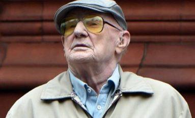 Tiene 101 años y va a juicio por abusar de menores