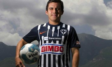 Luis Pérez anuncia que deja el futbol