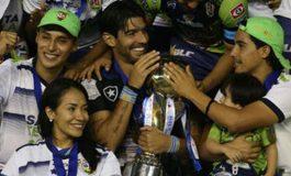 'Loco' Abreu logra campeonato de Liga en El Salvador