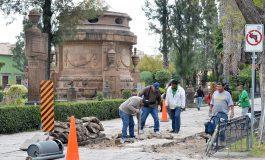 Ayuntamiento reanuda trabajos de rehabilitación en calzada