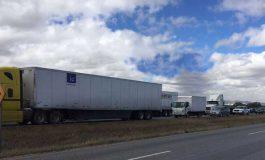 Reactores de Pemex bloquean el paso en Carretera 57