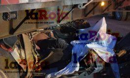 Tres coahuilenses mueren en la 57 tras impactar su camioneta con un trailer