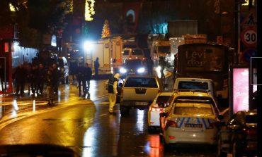 Un hombre armado mata a 39 personas en una discoteca de Estambul durante la Nochevieja