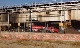 Incendio en Zona Industrial se Encuentra Bajo Control