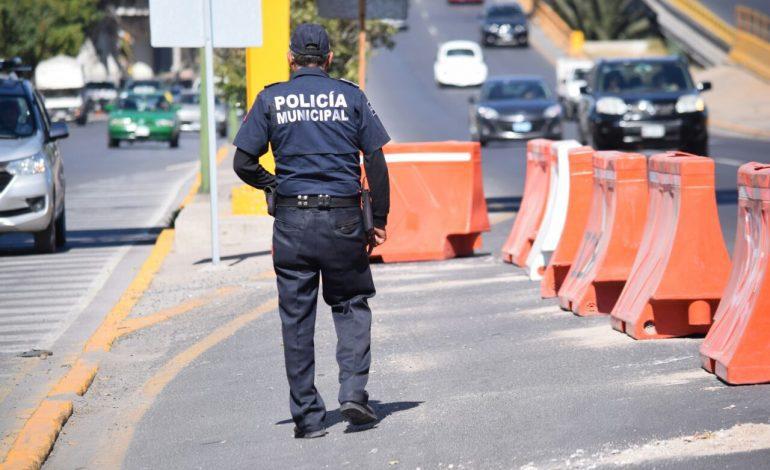 Operativos constantes para agilizar circulación en Av. Salvador Nava Martínez