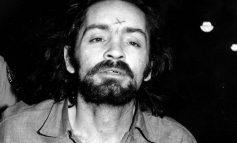 Charles Manson, el profeta de Satán que asesinó a siete personas con su secta de niñas pijas
