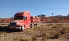 Trailer Cae de Puente en Carretera a Rioverde y Libramiento Oriente