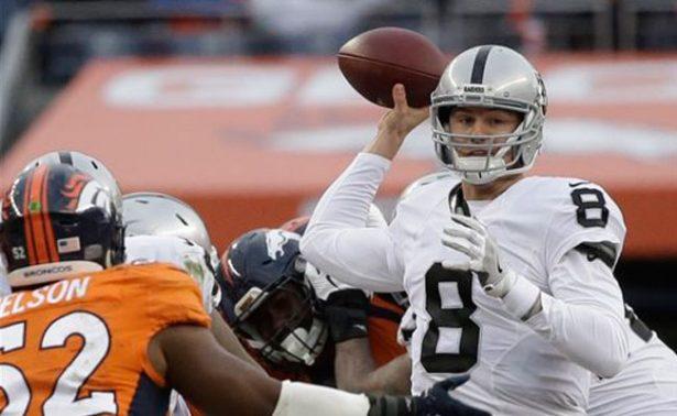 Connor Cook será titular con los Raiders en el inicio de playoffs