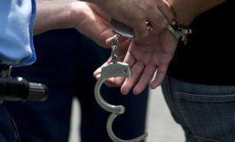 Detienen a sujeto por presunto robo de celular en Prados de San Vicente