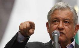 """Saqueos, """"estrategia fascista"""" del régimen: AMLO; Morena va por extraordinario antigasolinazo"""