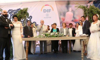 Un centenar de parejas contrajeron matrimonio en el Palacio Municipal