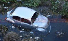 Se Safa Vochito que era Remolcado y Cae en las Aguas Negras del Río Santiago
