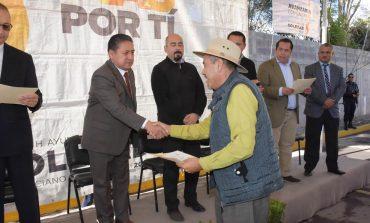Alcalde de Soledad Entrega Constancias a Servidores de Transporte Público