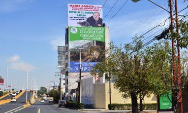 Ayuntamiento revisa estatus de espectacular en contra de ex alcalde