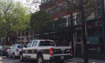 Hallan arma en locker de un alumno en una secundaria de Monterrey