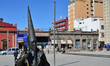 Proyecto de postes de ruta procesional cumple con las normas
