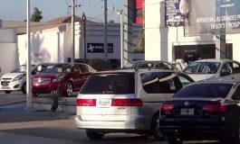 Asalto a una persona en una agencia automotriz por 200 mil pesos