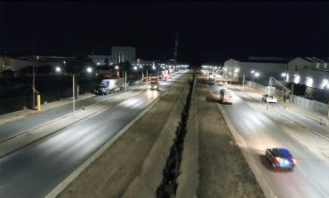 """""""Ayuntamiento en tu Empresa"""" rehabilita luminarias en Zona Industrial"""