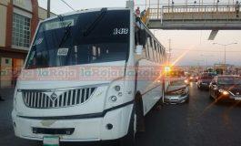 Camioneta Ocasiona Choque en Carretera a Rioverde y se da a la Fuga