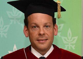 Korenfeld dio Contratos por 25 mdp a Universidad que le Otorgó Doctorado