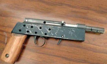 Incautan metralleta a estudiante de 13 años