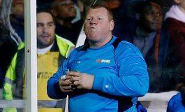 Ofrecen empleo a portero que se comió torta durante un partido