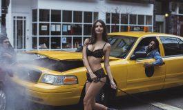 Emily Ratajkowski para el tránsito en video de DKNY