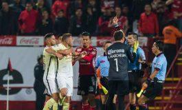 Árbitros piden castigo ejemplar para jugadores de América y Toluca