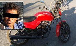 Sujeto detenido por robo de motocicleta