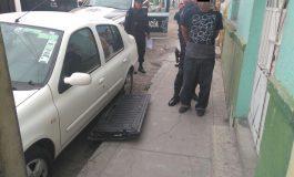 Hombre fue asegura tras sorprendelo con tapa de camioneta que acaba de hurtar