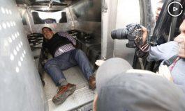 Duarte, tirado e impotente en una jaula móvil; rechaza opción preliminar de extradición